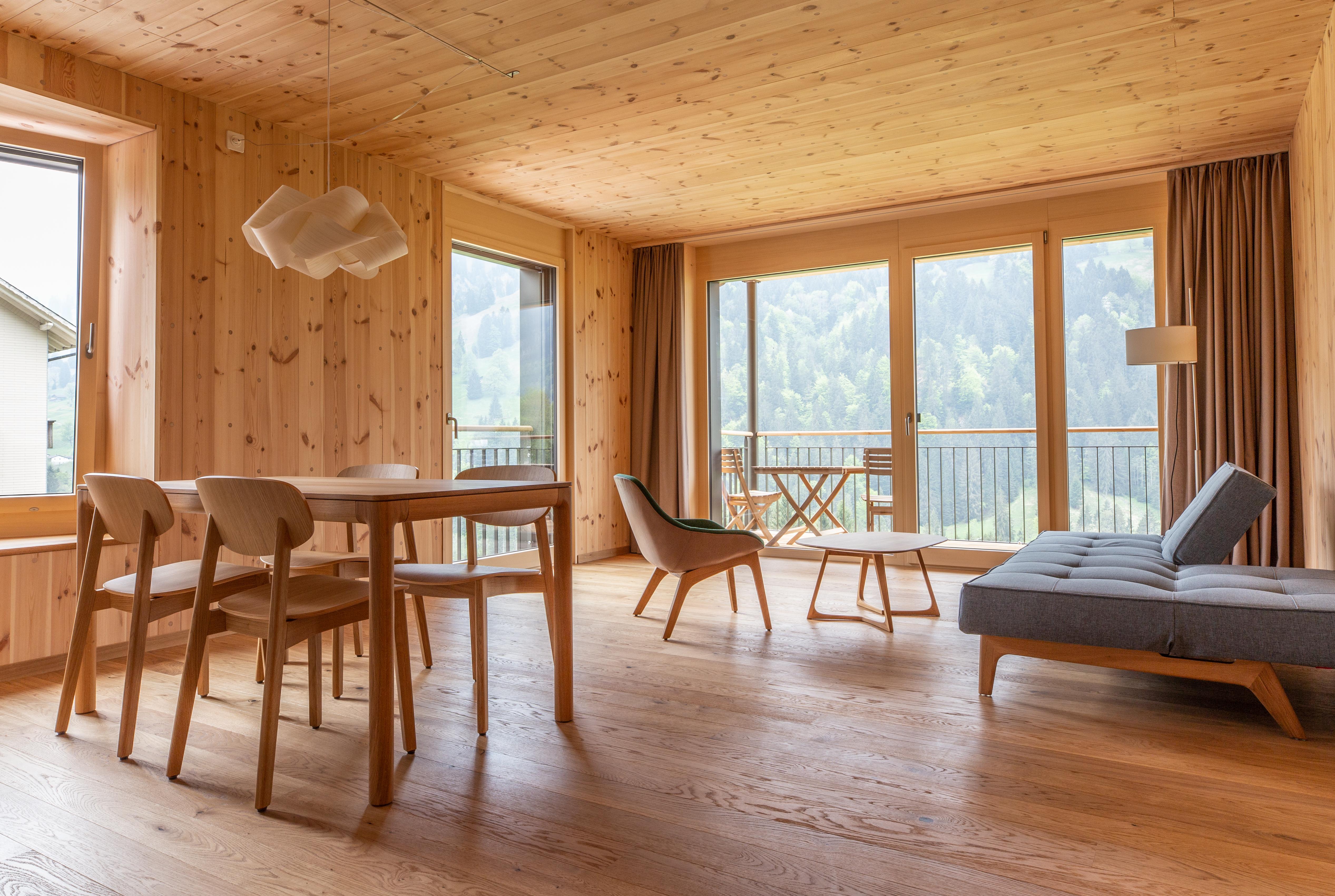 Ferienwohnungen im ChieneHuus in Holz100-Bauweise